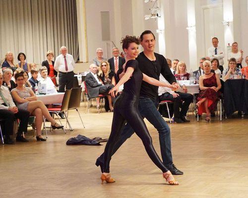 Tanzbegeisterte aufgepasst: TVC Ball im großen Kursaal